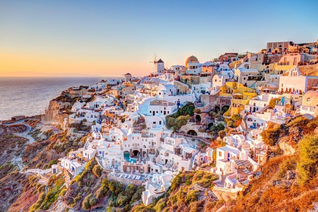 Oia, Santorini - beautiful Greek Villages