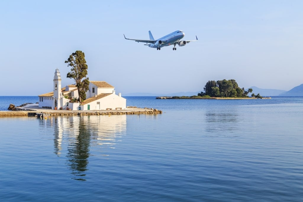 Plane landing in Corfu - Greek islands with airports