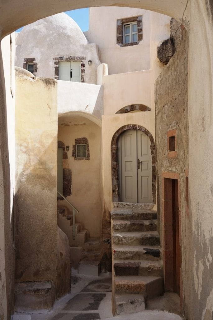 Emporio village in Santorini in one day