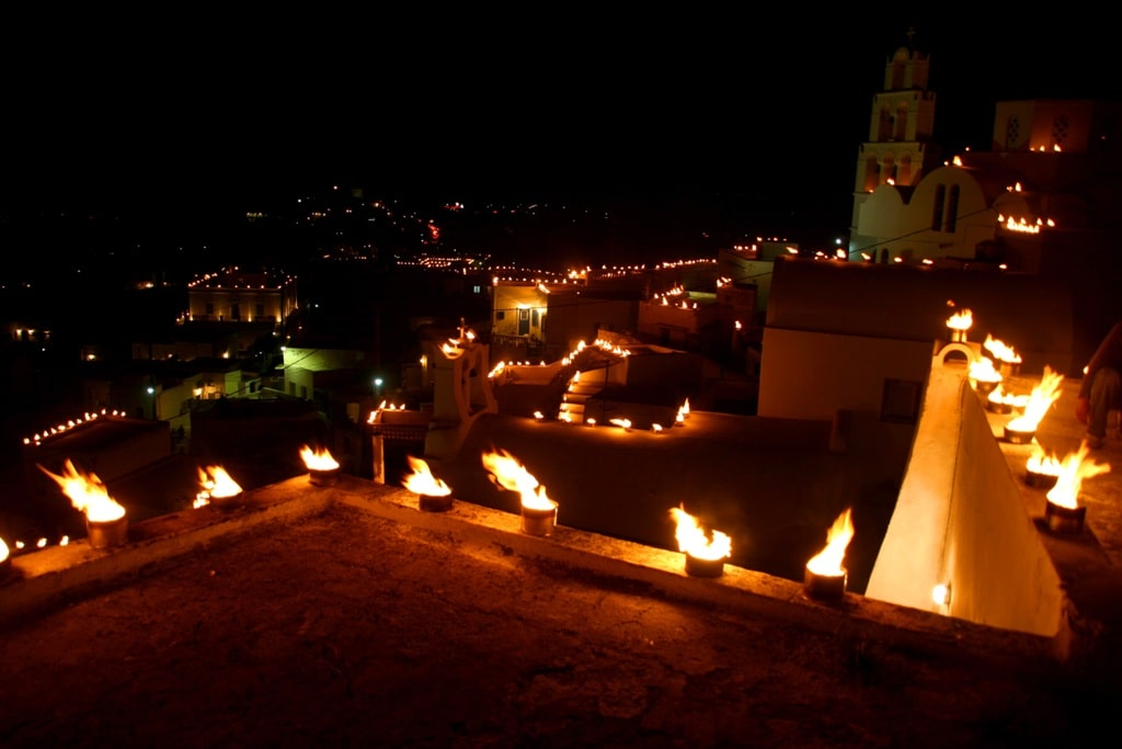 The light of Pyrgos - Greek Easter traditions