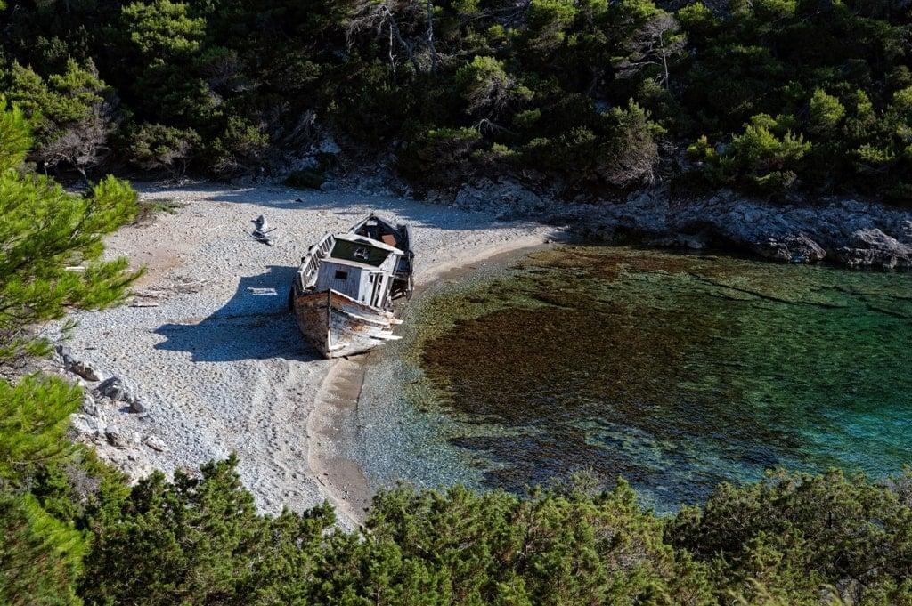 Shipwreck Agalipa Beach