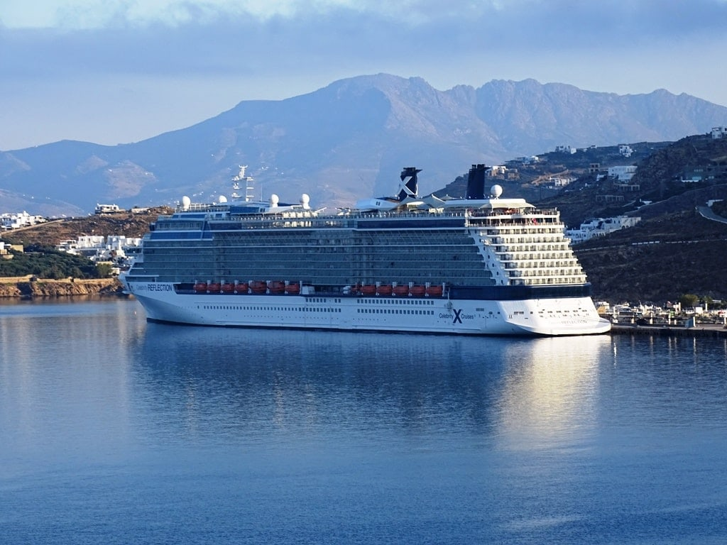 Cruise ship in Mykonos new port